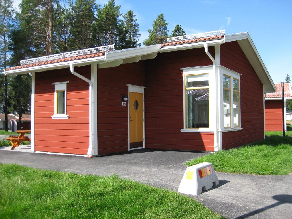 En Av Sveriges Storsta Stugbyar Ostersunds Camping
